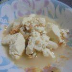 ホタテと木綿豆腐の炊き合わせ、出汁はアミエビと水キムチ